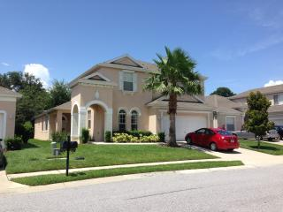Amazing 5 Bed 4 Bath Villa & Private Heated Pool - Haines City vacation rentals