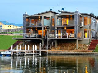 Luxury Waterfront Accommodation with Private Jetty - Lakes Entrance vacation rentals