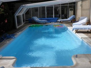 Casa con piscina cubierta y climatizada,barbacoa,WIFI - Vecilla de la Polvorosa vacation rentals
