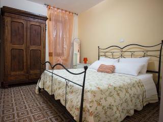 Apartment Gramsci 31 - BRAND NEW, PRIME LOCATION! - Riomaggiore vacation rentals