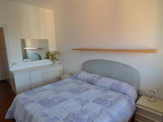Brand  new 1  bdr+ 1  room  with  sofabed apartment  with  private  parking ,100  meters  from  the  beach!! - Liguria vacation rentals