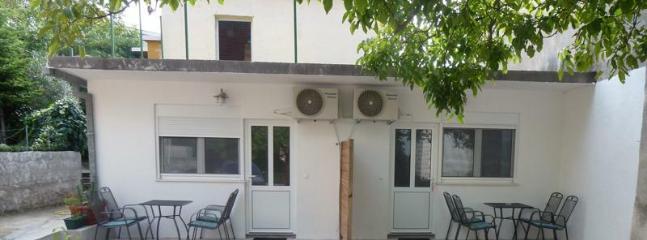 Two new studio Apartm. in the center of Baska voda - Image 1 - Baška - rentals