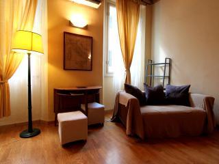 Boboli Bohemian Apartment Rental in Florence - Florence vacation rentals
