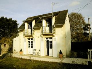 Saint Briac Little House - Loire Valley vacation rentals