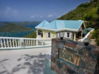 Scenic 3 Bedroom Hillside Villa in Coral Bay - Coral Bay vacation rentals