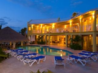 4 Bedroom Villa with Poolside Gazebo in Providenciales - Leeward vacation rentals