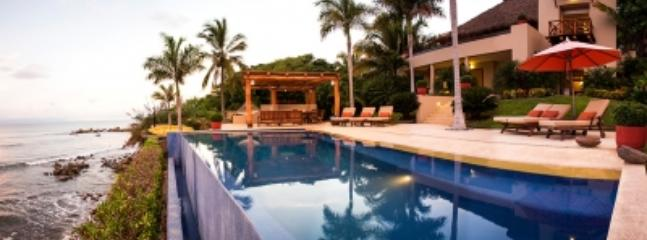 Spacious 5 Bedroom Residence in Punta Mita - Image 1 - Punta de Mita - rentals