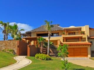 6 Bedroom Villa with Private Patio & Pool in Punta Mita - Image 1 - Punta de Mita - rentals