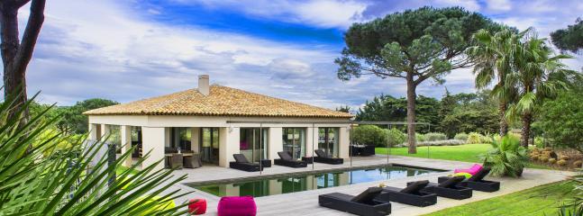 Superb Villa in the vineyards, 6 bedrooms, Saint-Tropez - Image 1 - Saint-Tropez - rentals