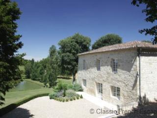Bergerie du Chateau FRMD127 - Montignac de Lauzun vacation rentals