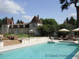 Blissful Country Chateau, Dordogne, FRMD150 - Eymet vacation rentals