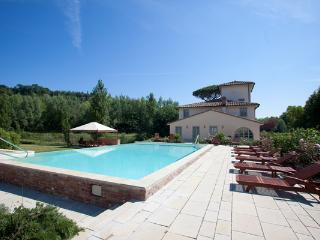 7 bedroom Villa with Private Outdoor Pool in Forcoli - Forcoli vacation rentals
