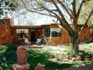 Dr. Williamson HIstoric Inn - Northern Arizona and Canyon Country vacation rentals