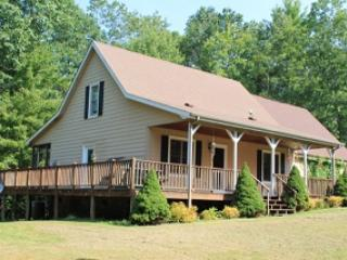 Perfect 3 bedroom Fleetwood Cottage with Deck - Fleetwood vacation rentals