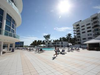 Apartment On the beach with direct access to the beach - Miami Beach vacation rentals
