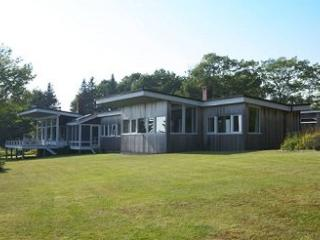 Nice 3 bedroom House in Brooklin with Internet Access - Brooklin vacation rentals