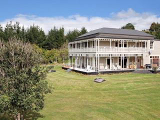 Clevedon Villa  Auckland New Zealand - Clevedon vacation rentals
