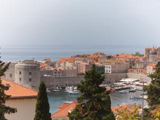 Amazing 3bedroom apt near Old Town! - Dubrovnik vacation rentals