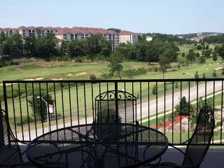 Branson condo | Top level | Elevator access | Golf views | Close to everything Branson has to offer (0211908) - Branson vacation rentals