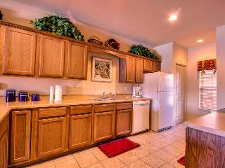Top level | Elevator | Pool | Golf views | Close to shows (0211908) - Branson vacation rentals