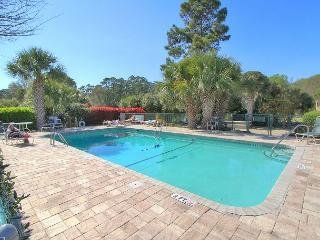 617 Queen's Grant, New Interior! Walk to Beach, Shopping, Pet Friendly - Hilton Head vacation rentals