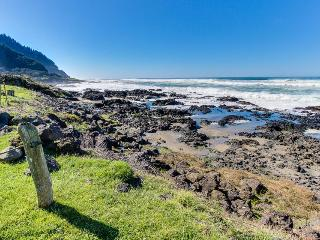 Oceanfront home w/tidepools in yard, short drive to sand! - Yachats vacation rentals
