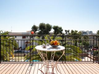 2 bedroom Condo with A/C in Sitges - Sitges vacation rentals