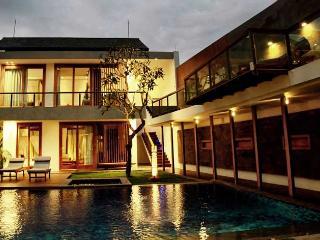 4 bedroom Luxury Villa in Seminyak - 200m to the Beach - World vacation rentals