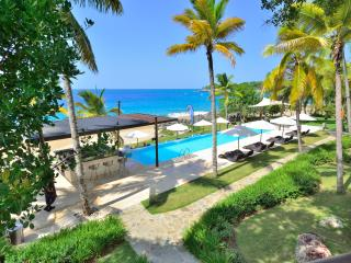 Superlux 1280 sq. ft. in Ocean front condo. Beach. - Sosua vacation rentals