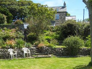 GORPHWYSFA, stone-built, detached property, woodburner, en-suite, garden, in Llanddona, Ref 20507 - Llanddona vacation rentals