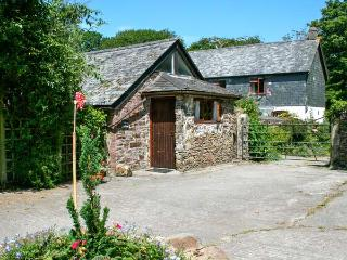 WILLOW COTTAGE, romantic retreat, outdoor pool, play room, in Whitstone, Ref. 29349 - Week St. Mary vacation rentals