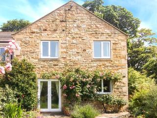 1 MOWBRAY COURT, modern, pet-friendly, stone-built cottage in West Tanfield, Ref. 30727 - West Tanfield vacation rentals