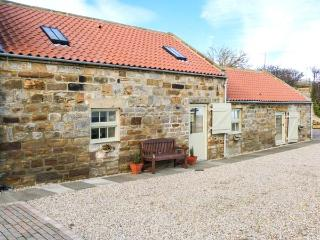 VALLEY VIEW, character accomodation with WiFi, wet room, garden, country views, near Staithes, Ref 30863 - Staithes vacation rentals