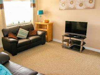 10 FRIARS FIELD, town centre cottage, cosy accommodation, great touring base, garden, in Ludlow, Ref 904586 - Ludlow vacation rentals