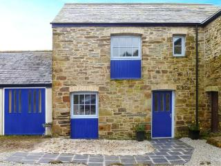 WHEAL HONEY, cosy terraced cottage, underfloor heating, country views, St Newlyn East Ref 904999 - Cornwall vacation rentals