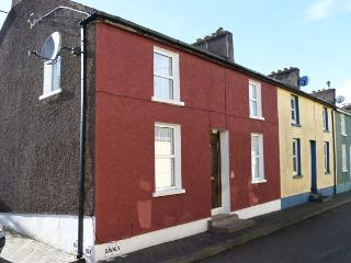 1 HIGHER OLD CONNELL STREET, seaside location, in Kinsale, Ref. 905073 - County Cork vacation rentals