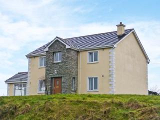 LOUGHROS HOUSE, detached cottage, wonderful views, en-suite, roll-top bath, open fire, summer house, near Millford, Ref 905801 - Ballyliffin vacation rentals