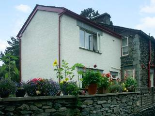 CHURCH VIEW, semi-detached, open plan living area, WiFi, parking, garden, in Ambleside, Ref 906111 - Ambleside vacation rentals