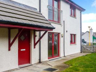 HILL VIEW APARTMENT, pet-friendly apartment close to village amenities, heart of Cairngorms, in Aviemore, Ref 906247 - Aviemore vacation rentals