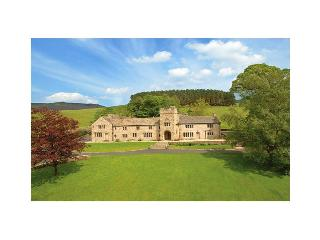 Kinder Castle - Derbyshire vacation rentals