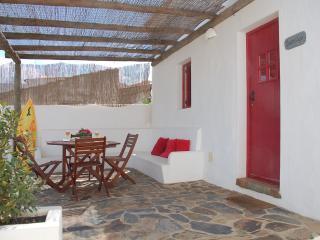 2 BEDROOM COTTAGE IN A REBUILT TRADITIONAL VILLAGE, IN VILA DO BISPO, SAGRES - REF. ADP136700 - Budens vacation rentals