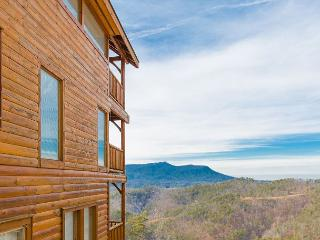 LAST MINUTE SPRING SPECIAL - From $179! Theater Room, Hot Tub, & Views! - Sevierville vacation rentals