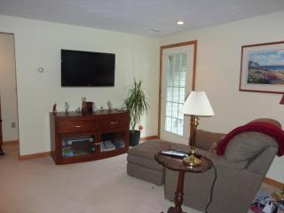 1 BR Private Apt. Foxboro Easton Mansfield - Norton vacation rentals