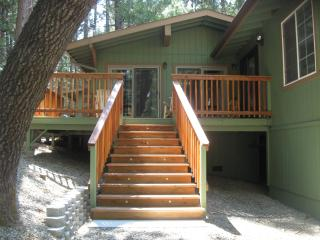 Bass Lake Cabin/Near Yosemite National Park. - Bass Lake vacation rentals