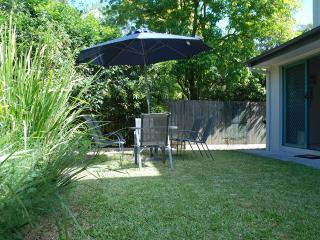 Easy Living in Vibrant Trendy Bulimba- Cafe & Lifestyle Central - Brisbane vacation rentals