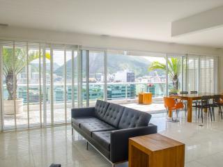 W110 - 3 Bedrooms Penthouse - Rio de Janeiro vacation rentals