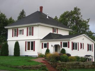 Beautiful Cottage with Deck and Internet Access - Stanley Bridge vacation rentals