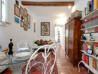 San Giorgio 2 Bedroom Apartment in Florence - Florence vacation rentals