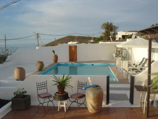 FINCA LA CASITA- LANZAROTE.( sleeps 4) Pool, private sauna, private jacuzzi (hot tube) ,SEA VIEWS, satellite TV, internet,. - Charco del Palo vacation rentals