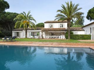 Aesthetic Villa, St-Tropez, 6 bedrooms, 12 people - Saint-Tropez vacation rentals